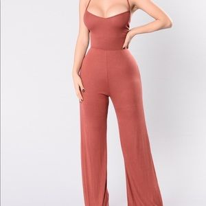 Fashion Nova - Jumpsuit